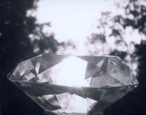 Najpiękniejsze diamenty i brylanty, idealne do złotej biżuterii A.Lange. Zapoznaj się z naszą ofertą.